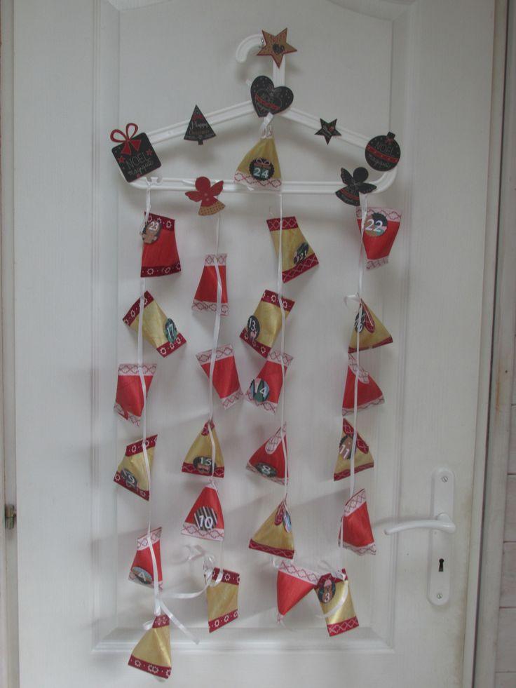 le mini calendrier de l'avent 2015;) l'idée des berlingots en rouleaux est sympas, par contre, c'est très petit pour y glisser 3 friandises chaque jour...