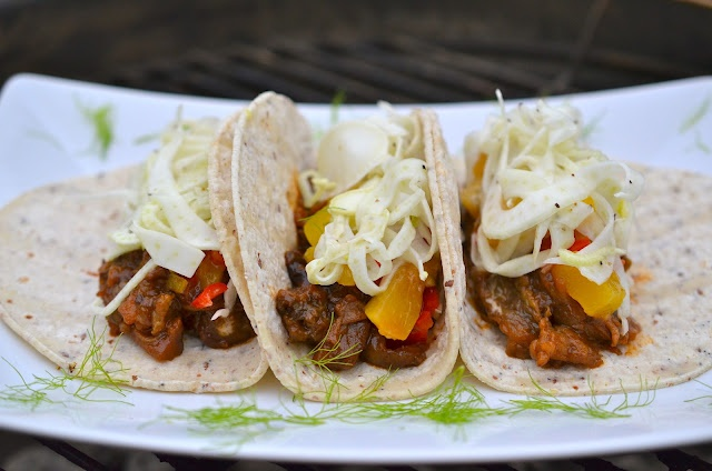 It's taco time! BBQ Eggplant Tacos are a smoky, lip-smacking way to spice up your next cookout.: Vegans Recipe, Mr. Tacos, Bbq Eggplants, Veggievegan Mexicans, Aubergin Tacos, Vegans Bbq, Eggplants Tacos, Recipe Bookmarks, Veggies