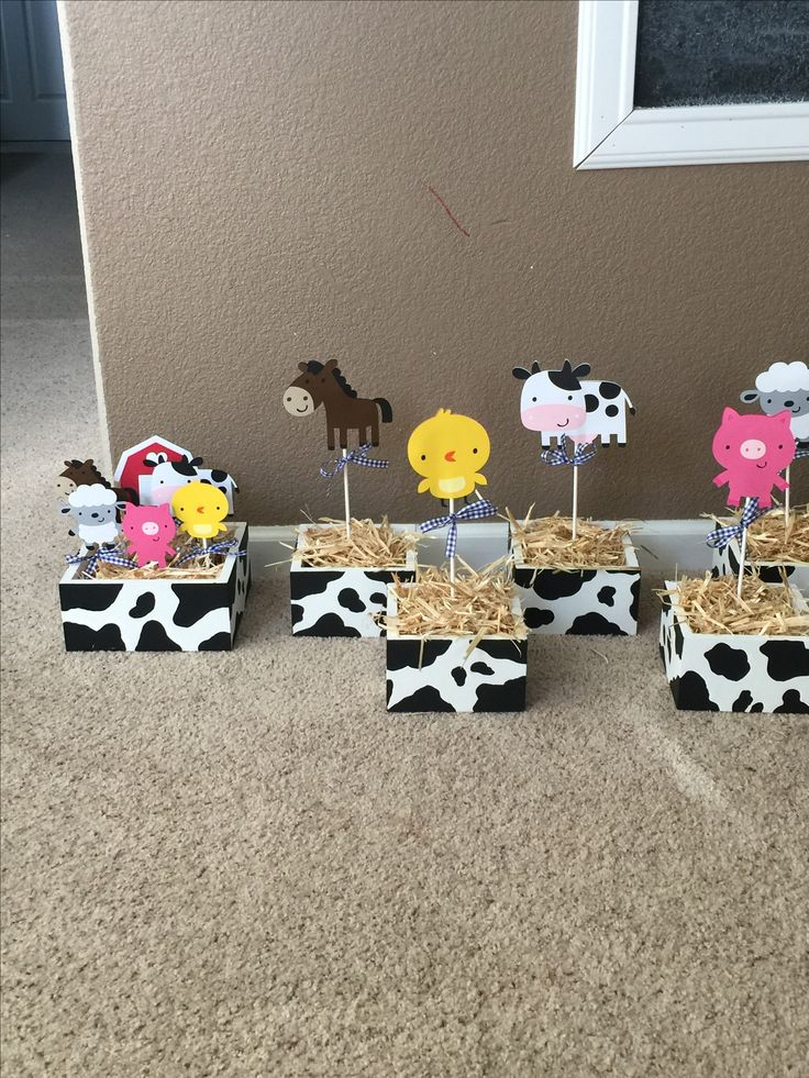 Barnyard Centerpieces created by Sonia Villagomez