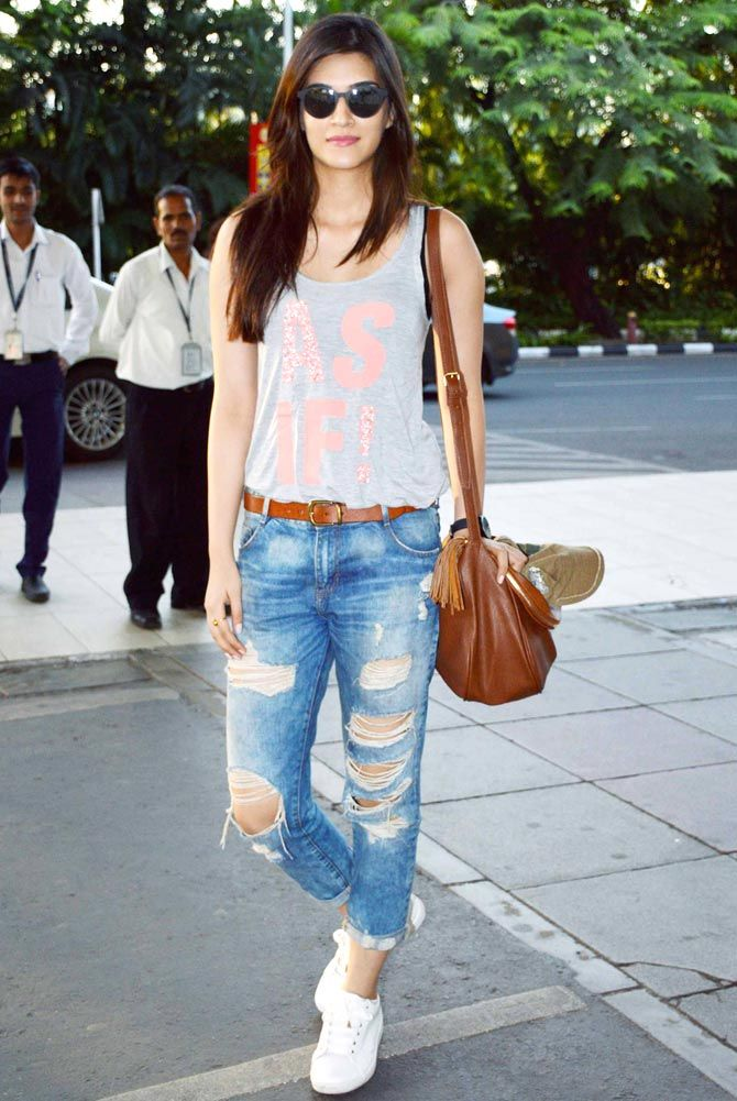 Kriti Sanon Spotted At The Mumbai Airport Ollywood