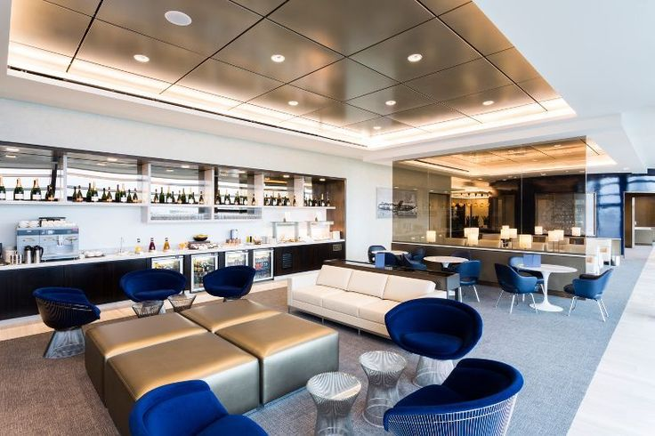 United Airlines Global First Lounge and United Club at Terminal 2 Heathrow: a complex project with difficult interfaces and multiple levels. Read about the bespoke solutions & how the team complemented the luxurious metallic finishes. Architect: 3 D Reid. Ceiling Contractor: HLS Installations Armstrong RH-225 Ceiling System Colour RAL 1035