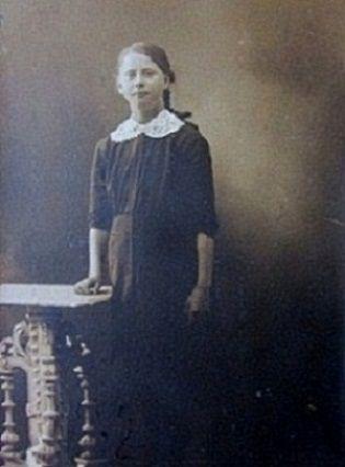 Anna Zetterquist. Högerud.
