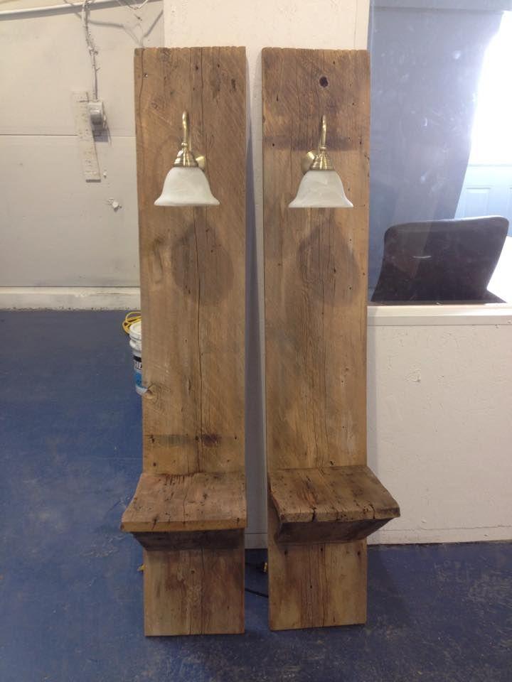 Les 24 meilleures images propos de magasin sur pinterest poitrine en bois - Lampe au dessus d une table ...