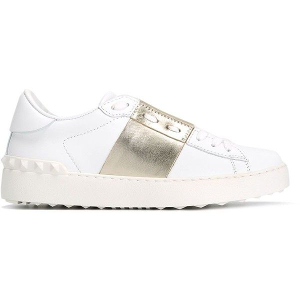 Valentino Garavani Rockstud Sneakers (490 CHF) ❤ liked on Polyvore featuring shoes, sneakers, white, valentino trainers, valentino shoes, white shoes, lace up shoes and lacing sneakers