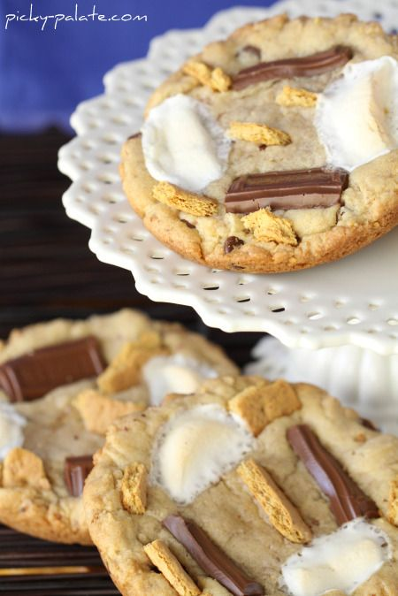 Smores Cookies from Picky Palate blog: Chocolate Chips, S Mores Cookie, Palate Blog, Picky Palate, Giant S Mores, Chocolate Chip Cookies, Favorite Recipes, Smores Cookies