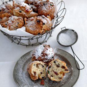 Recipe - oliebollen - Dutch treat that is eaten on  NYE
