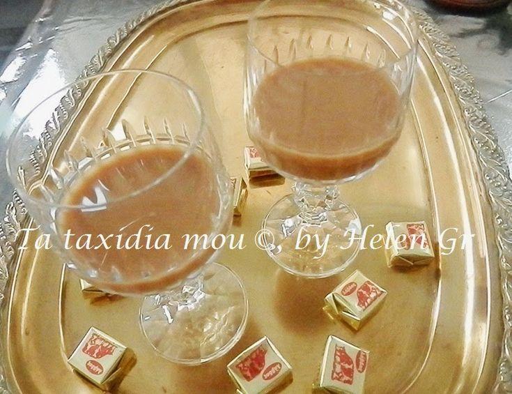 Ένα αγαπημένο λικέρ για να συντροφεύσει ένα αφράτο γλυκό ψυγείο με αρκετή σοκολάτα, μετά ένα εορταστικό γεύμα ή να αντικαταστήσει το κλασι...