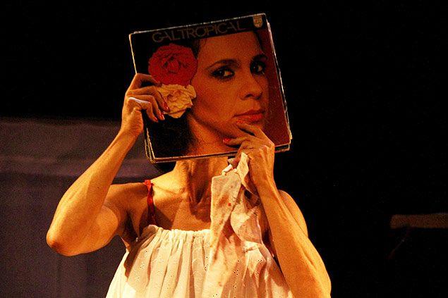 XVI Festival do Teatro Brasileiro - Cena Baiana. Até 04/09/2014. Veículo: Jornal Folha de São Paulo. Data: 04/09/2014. Clique na imagem para visualizar a matéria completa.