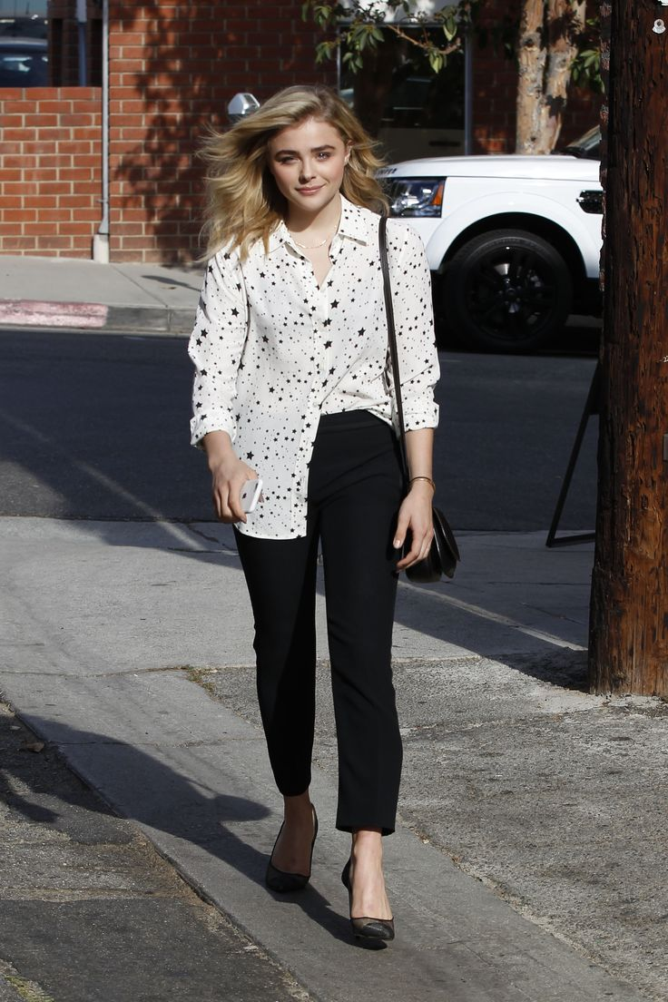 Chloe Moretz - Spotted leaving Clementine Bakery in Los Angeles 10/13/16