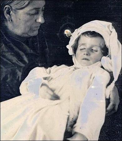 Memento Mori Photography | Memento Mori: Victorian Death Photos / Google Image Result for http ...