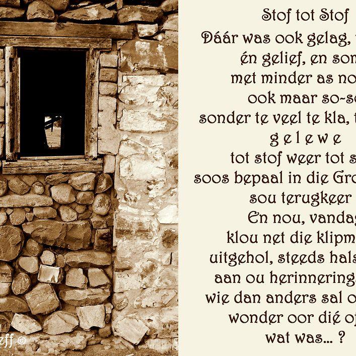 Nog 'n pragtige voorbeeld van hoe klip deur die jare as 'n boumedium gebruik is in Suid Afrika – 'n Foto van 'n plaas se ou kliphuis langs 'n grondpad tussen Jansenville en Aberdeen in die Oos-Kaap van Suid-Afrika. Rina Greeff