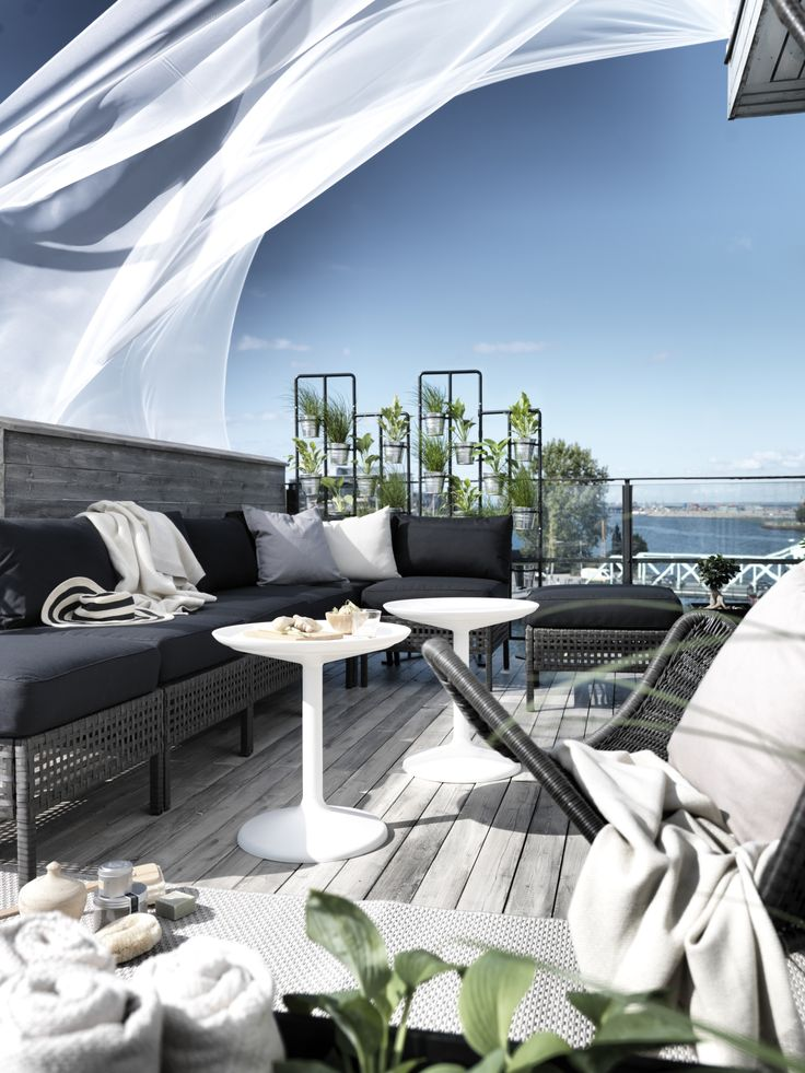 The perfect outdoor oasis can be made right in your own backyard, on your deck or even on your balcony! The IKEA KUNGSHOLMEN outdoor seating series lets you create a sofa that fits your space!