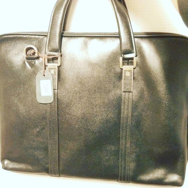 Класична чоловіча сумка із натуральної шкіри.  2968грн 7bags.com.ua