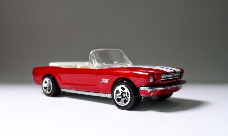 1965 - Ford Mustang conversível.