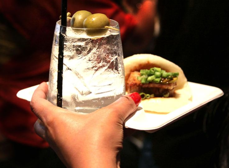 Plate-A-Cup - A plate that holds a bottle, cup, can, or wine glass so the other hand is free to eat.