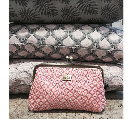 - Diamond Cosmetic Clutch Pink PIPOL'S BAZAAR