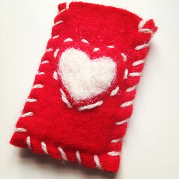 iPhone case cover  wallet  red heart   gift felted by Typolove, €16.00