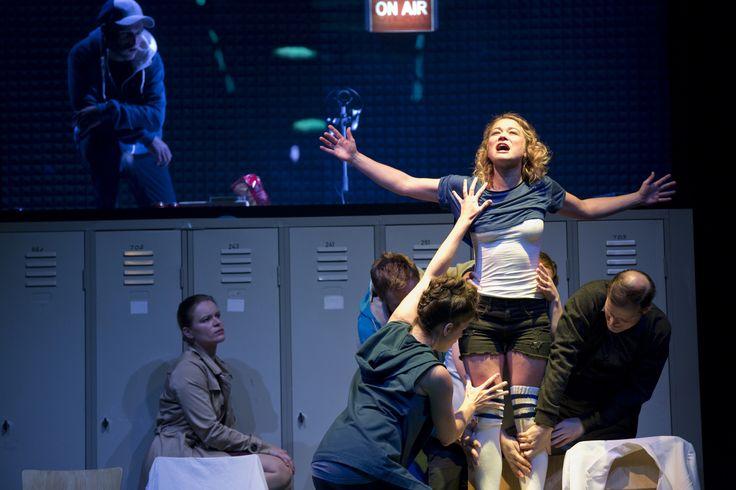 """Theater der Jungen Welt Leipzig-Inszenierungsfoto  """"2 Uhr 14"""" am 18.09.2013"""