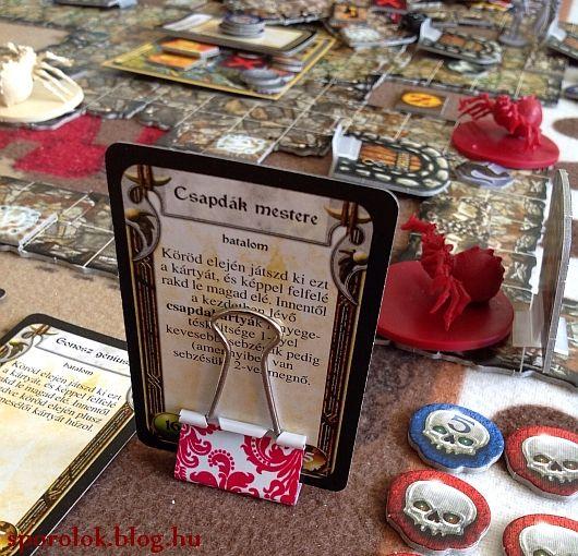 Használhatod kártyatartónak társasozáskor...