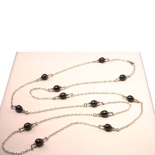 Elas Jewellery Box - CS225 - Black freshwater pearls with sterling silver beads and chain.