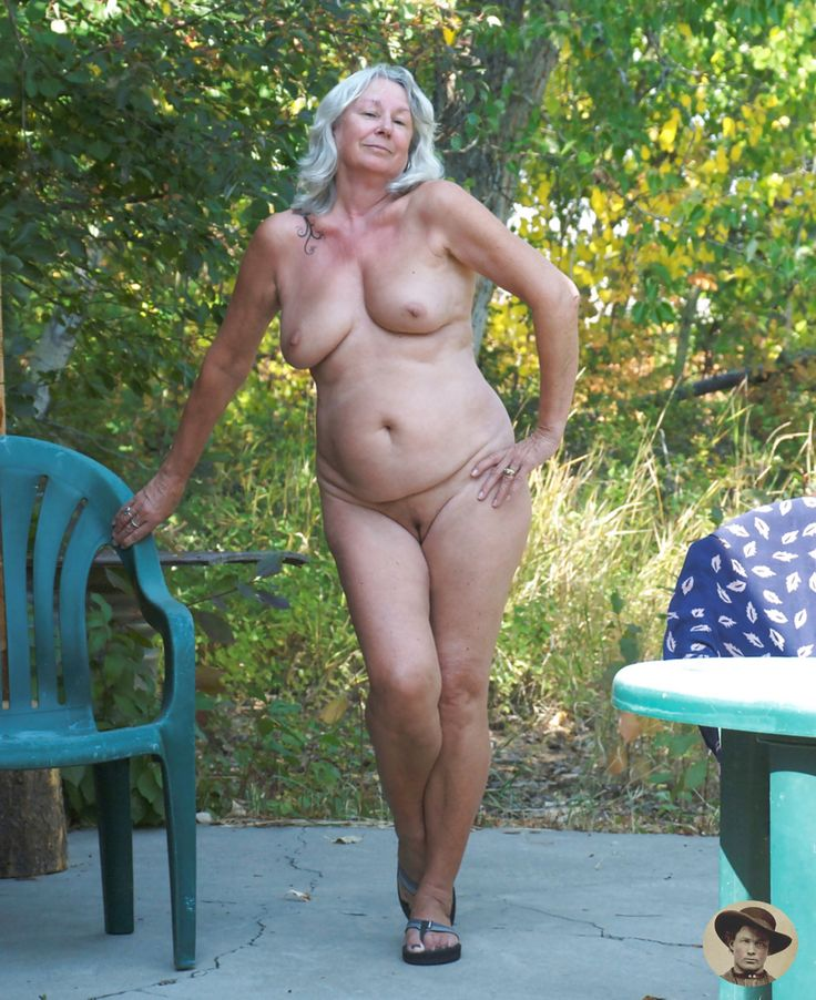 Single mature in the nude — img 6