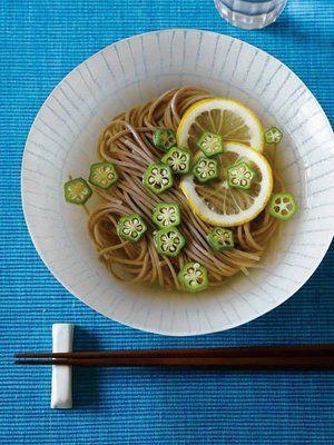 cold soba with lemon topping 【ELLE a table】オクラとレモンの冷やしそばレシピ エル・オンライン