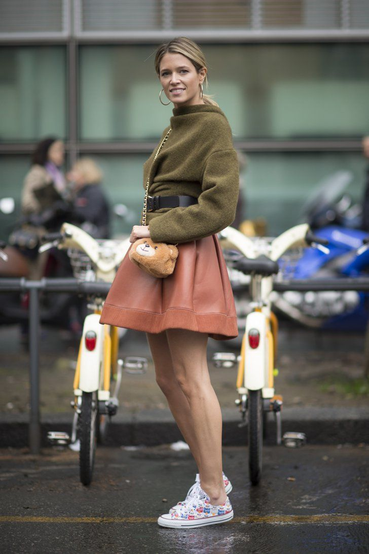 Pin for Later: Ciao, Milano! The Best Street Style From MFW MFW Day Six Helena Bordon carrying a Moschino bag.