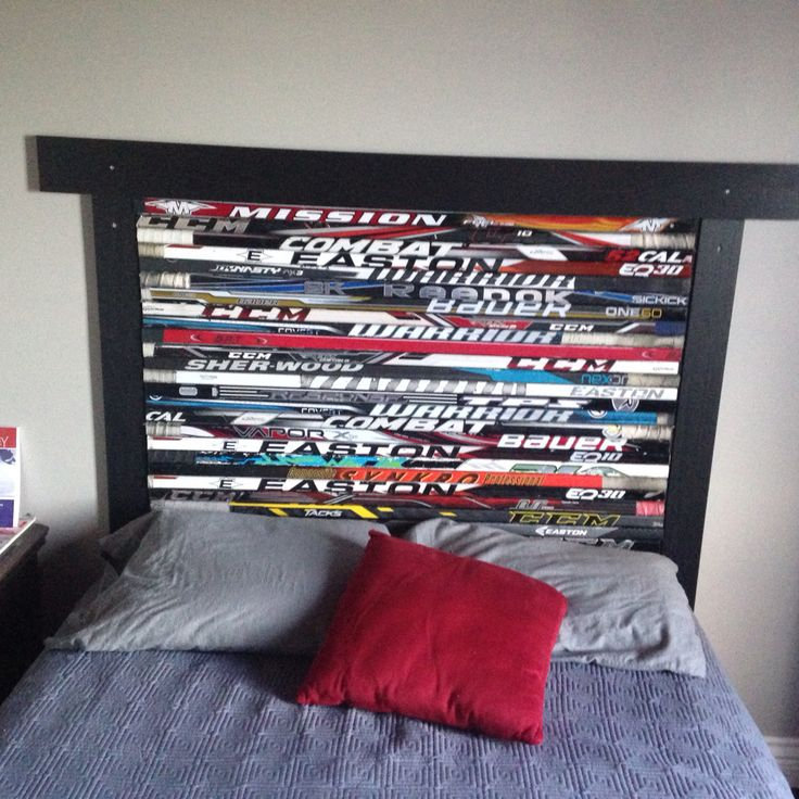 Hockey sticks headboard More. Best 25  Hockey theme bedrooms ideas on Pinterest   Boys hockey