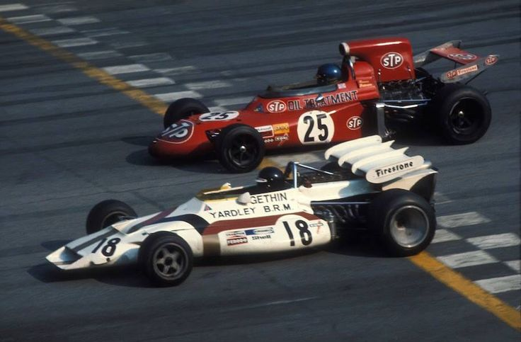 Peter Gethin / Ronnie Peterson, Monza 1971 finish line.