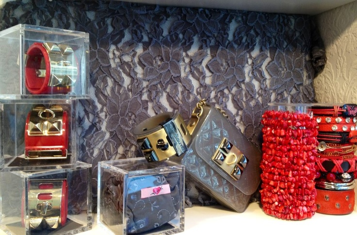 Some details from our shops' windows!