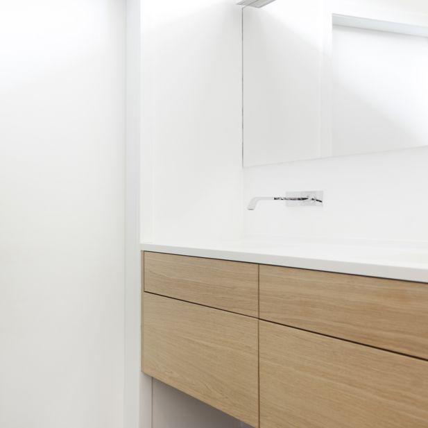 Www.kove.be badkamer renovatie mortex  not only white Gessi | Kove Interieurarchitecten Sint-Niklaas