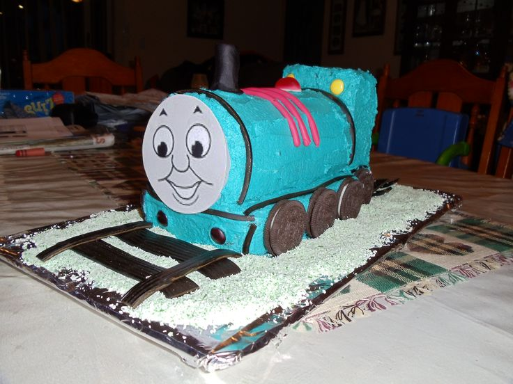 Bens 3rd birthday - Thomas cake