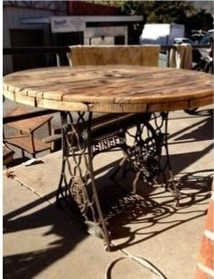 en dessus de machine a coudre ... pour une table