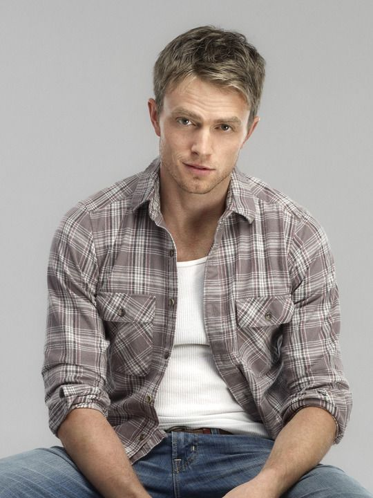 Wilson Bethel, who plays Wade in Hart of Dixie, is such a cutie. He's a great actor and I love his character on the show.