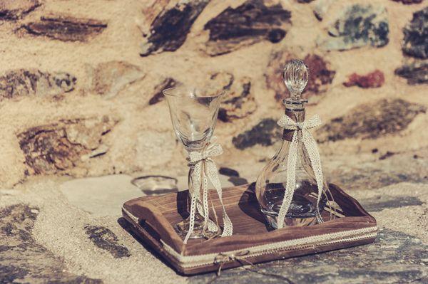 Rustic wedding ideas! See more here http://www.love4weddings.gr/rustic-wedding-decorations/ #rusticwedding #setgamou #gamos #theglassslipper