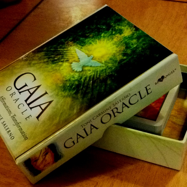 Newest oracle cards. Yay!