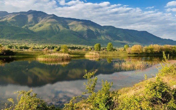 Φθινοπωρινές εξορμήσεις σε 3 πανέμορφες ελληνικές λίμνες (φωτό)