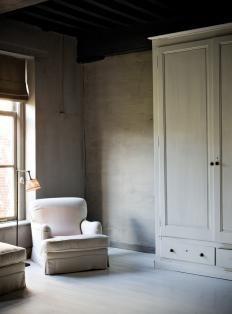 Simplicity - amazing wardrobe