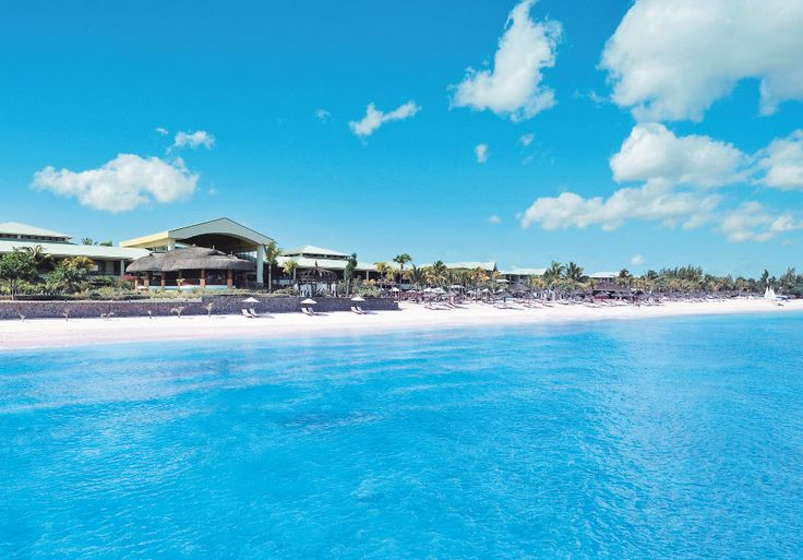Blue ocean & endless blue skies at Le Méridien Ile Maurice, Mauritius. #Bluemonday - the way we like it.