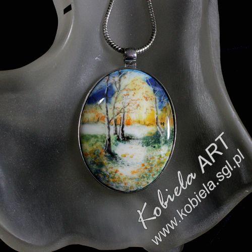 srebrny wisiorek medalion z porcelaną , ręcznie malowaną , wielokrotnie wypalaną w wysokich temperaturach. Oprawa srebro ( 925 ). więcej na  http://www.kobiela.sgl.pl/  zapraszam - Bożena Kobiela