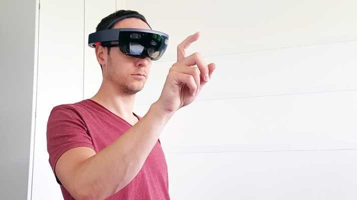 Microsoft HoloLens im Test: Tolle Software, schwaches Display | c't Magazin