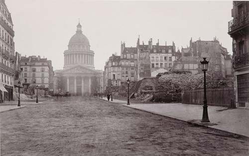 le percement de la rue Soufflot en 1877. (Photographie de Charles Marville, crédit musée Carnavalet/Roger-Viollet)