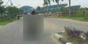 Heboh Wanita Tak Berbusana Naik Motor di Jalanan Ternyata...