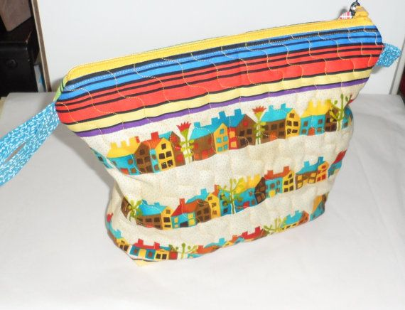 QUILTED COSMETIC Bag/Bright n Sassy Zippered Cosmetic