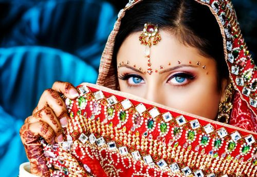 beautiful!!!: Indian Princess, Fashion Statement, Amazing Eye, Asian Bridal, Blue Eye, Asian Bride, Indian Bride, Indian Wedding, South Asian