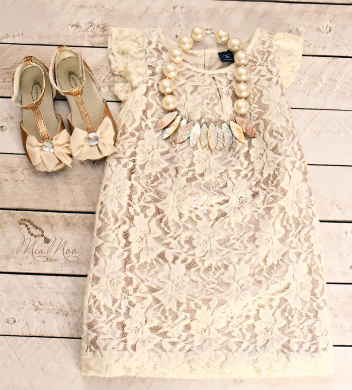 I can't get over how cute this is! This blog has such cute outfits!