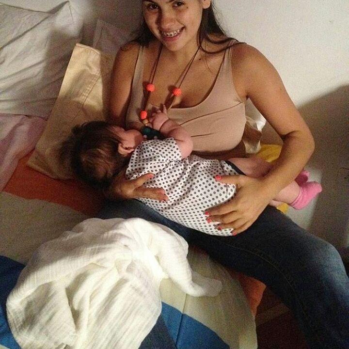 Como se ve una mamá que usa los productos Naita Espinosa? Así de feliz  Combina el collar de lactancia con tu sostén materno para verte chic y estar super cómoda  . #TalentoVenezolano #Mama #Bebe  #HechoaMano  #Lactancia #Lactanciamaterna #Lactanciaexclusiva #Mamaprimeriza #Collardelactancia #Collaresdelactancia #Collar #Collarmordedor  #Motricidadfina #Crochet #Breastfeeding #Mom #Baby #TeethingNecklace #Necklace #HandMade #Instamom #Collarporteo collar de lactancia  collares de lactancia…
