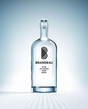 http://www.brandeau.ch I Brandeau – Pure Tap Water from Basel. Stylish swiss glasbottles to refill tap water at home or in the office.  #brandeau #brandeaubottles #wasser #water #wasserflasche #wassertrinken #wassergenuss #hahnenwasser #stilleswasser #flasche #karaffe #wasserkaraffe #glasflasche #schweizerwasser #tapbottle #tapwater #bottledesign #design #waterbottledesign #waterbottle #basel