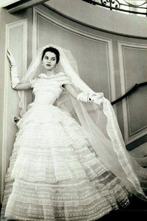 Christian Dior P/E 1957. Mannequin Svetlana Lloyd.