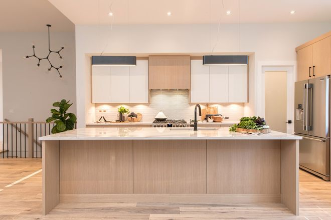 Beautiful Modern Kitchen With White Oak Cabinetry Mixed Materials And Simple Design Create Your Mod Modern Kitchen Design Oak Floor Kitchen Light Oak Floors